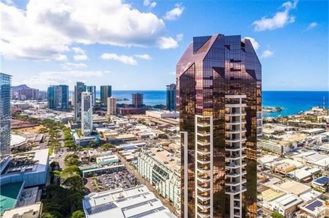火奴鲁鲁Honolulu Kakaako社区 豪华公寓 3卧3.5卫 室内豪华装修 自带露台 烧烤设施 暖池 海岸线美景