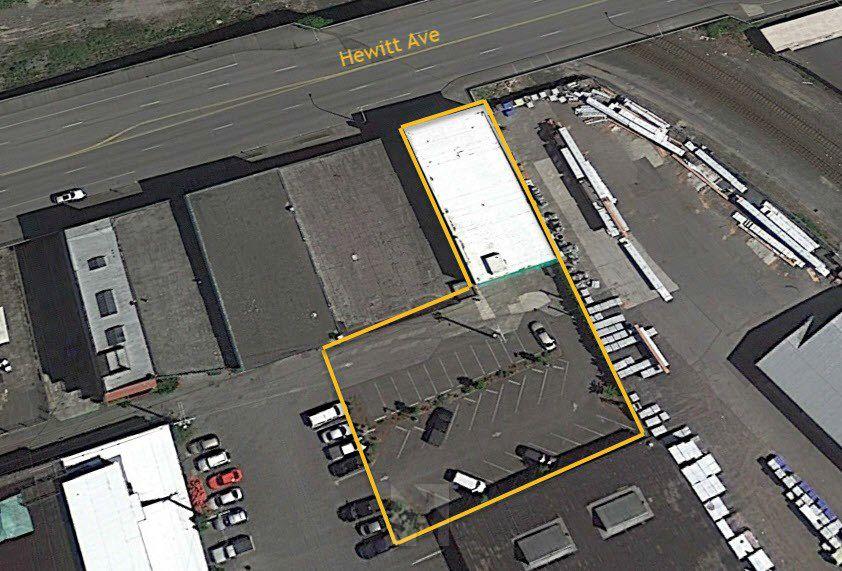 华盛顿州Everett多租户写字楼/仓库
