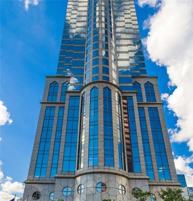 坦帕 市中心 超高办公楼 海湾景色 买家出价