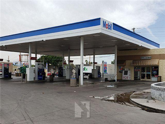 凤凰城 前Valero加油站 现Mobil加油站 便利店 年净收入45.5万美元 人口密集