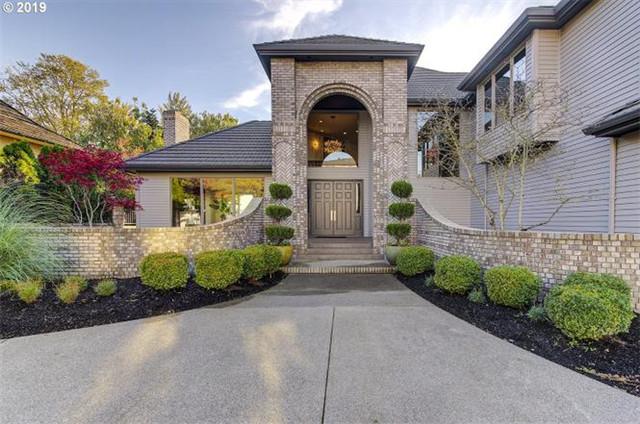 温哥华Vancouver 奢华别墅 3卧3.5卫 舒适装修 开放式设计 安静街道 绿化率高