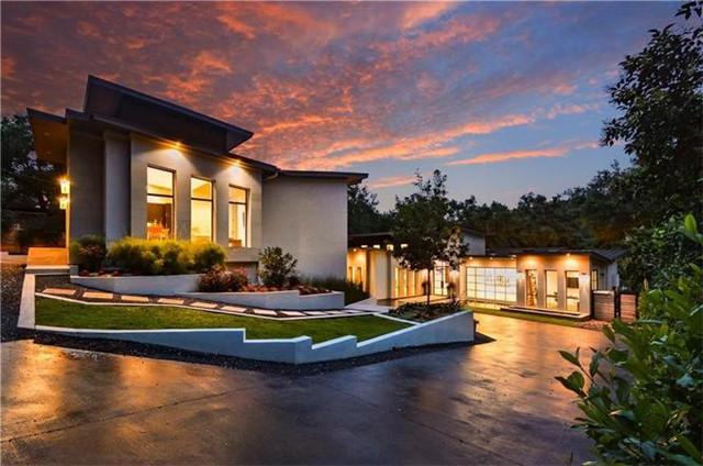 奥斯汀Austin 现代风格别墅 5卧6.5卫 优雅庭院 宽敞主人套房 理想布局 顶尖学区